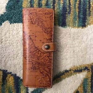 Patricia Nash picture/credit card wallet